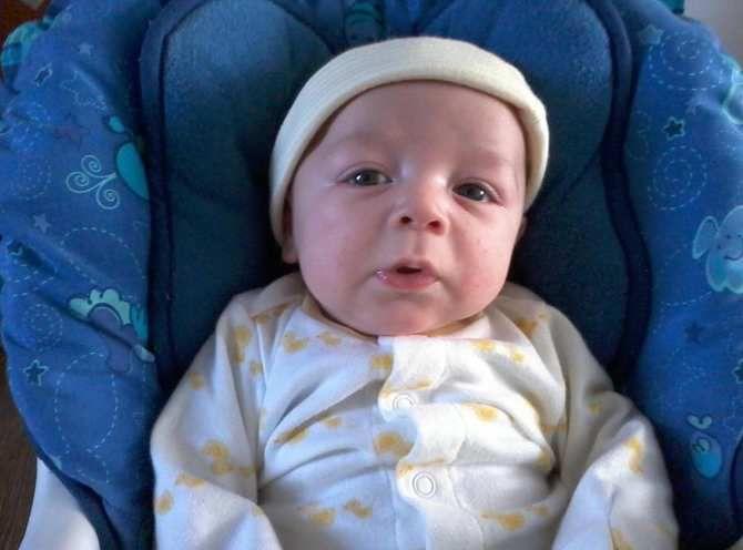 La douleur d'une maman qui a perdu son petit garçon de 2 mois après une série de vaccins