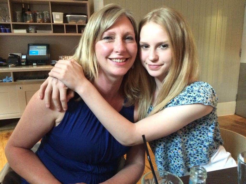 Lucy Rebbeck et sa maman