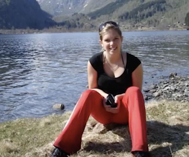 Jasmin Soriat, 19 ans, de Vienne, est décédée de troubles respiratoires 3 semaines après avoir reçu sa seconde dose du vaccin Gardasil.