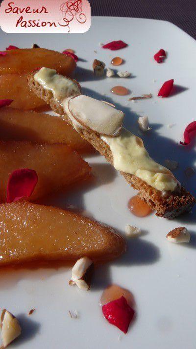 Coing confit à l'eau de rose, peau de lait, amandes, croustilles de pain. Clin d'oeil à Michel Bras