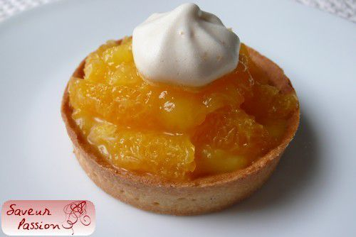 Tarte tout orange : orange curd, segments d'orange fraîche, gelée d'orange