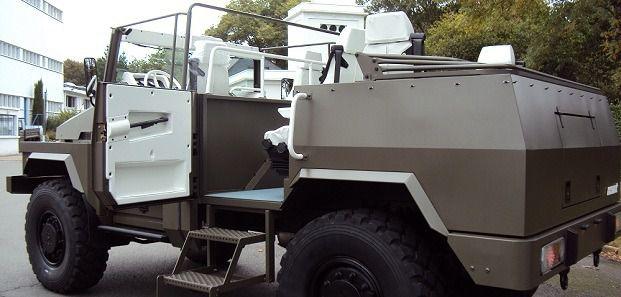 Véhicules et matériels : l'ACMAT  VLRA II