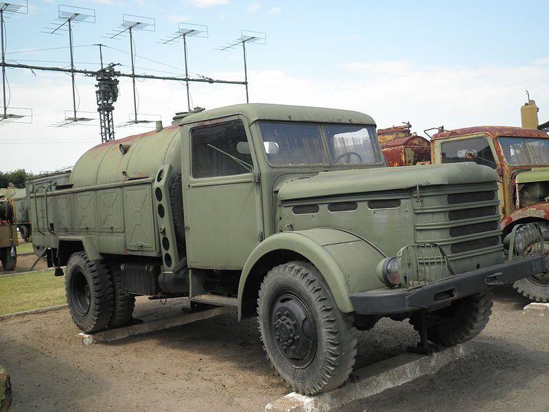 modif : camions IFA G5 6x6 et Csespel D-344 au 1:43 (par Jean-François)