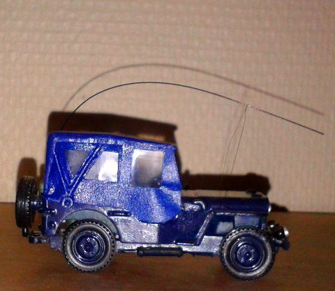Modif : Jeep Gendarmerie au 1/43 sur base Solido (par Marc L.)