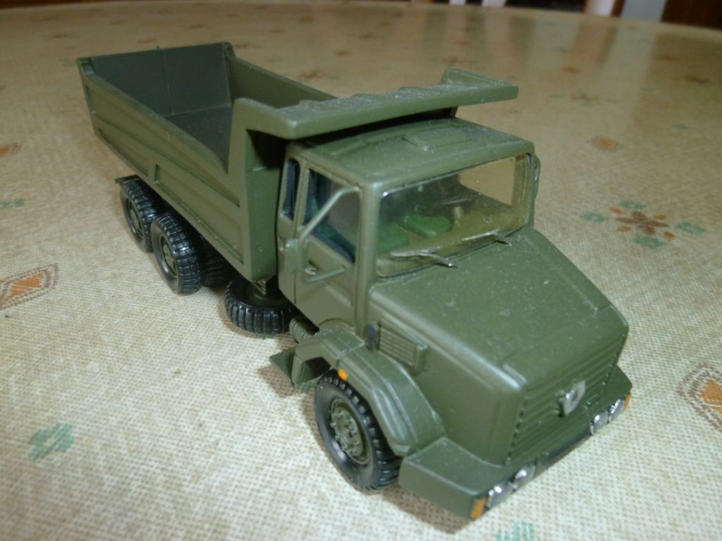 Renault C 260 benne Marrel au 1/50 (Minitrucks)