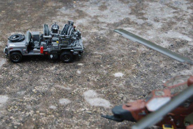 Land Rover Defender VTA au 1/48 (par Yves)