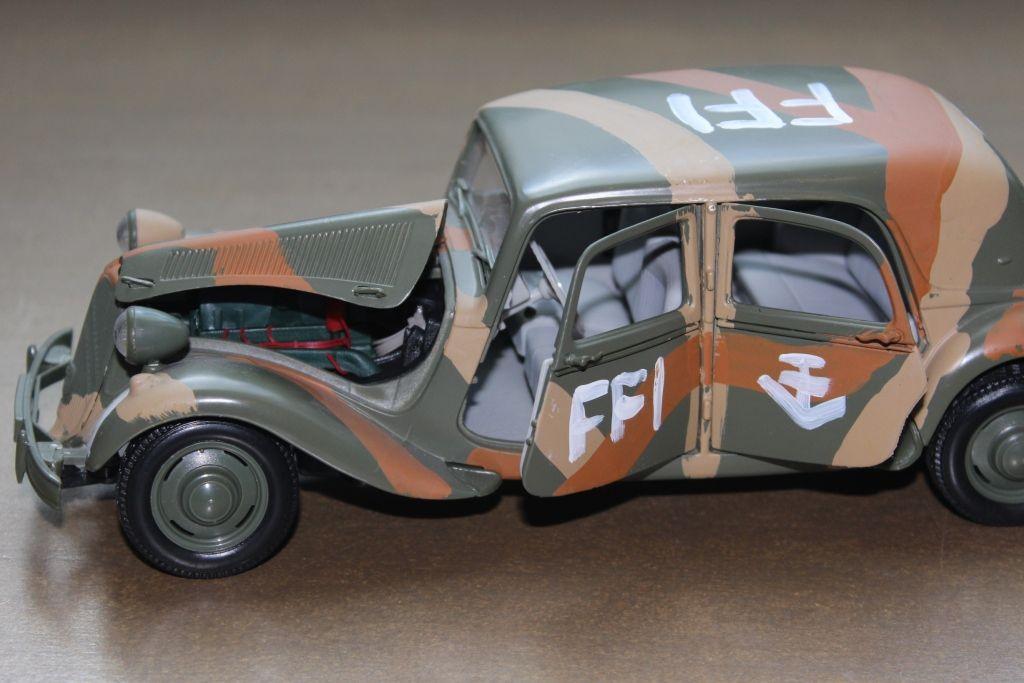 Citroën 15 CV FFI au 1/18 (Maïsto)