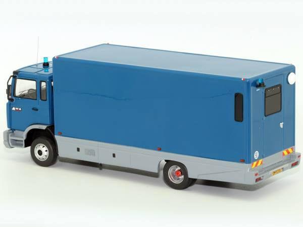 Renault M180 transport de déténus de la Gendarmerie au 1:43 (Perfex)