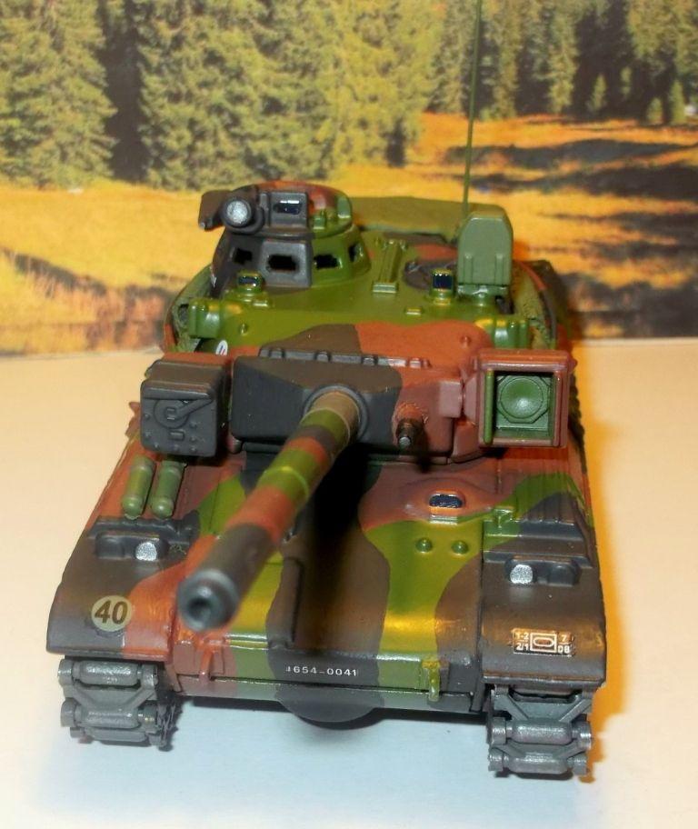 AMX-30 B2 sur base Solido au 1/50 (par François)