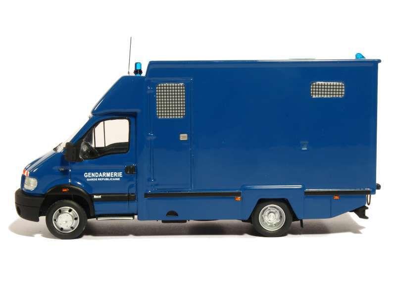 Renault Mascot transport de chevaux de la gendarmerie au 1:43 (Perfex)