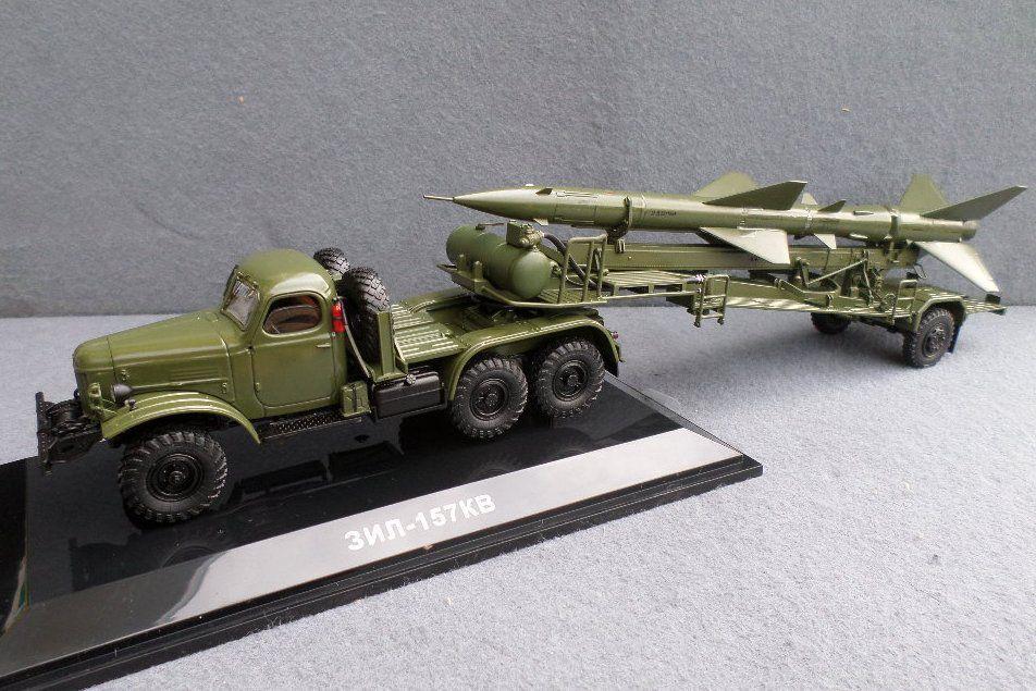 Tracteur Zil-157K avec remorque porte-misile TZM-PR11B (DIP Models)