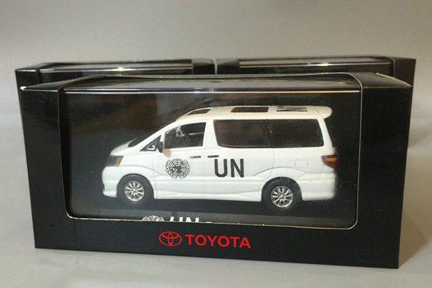 Toyota Hiace et Alphard de l'UNIFIL au 1/43 (Kyosho)