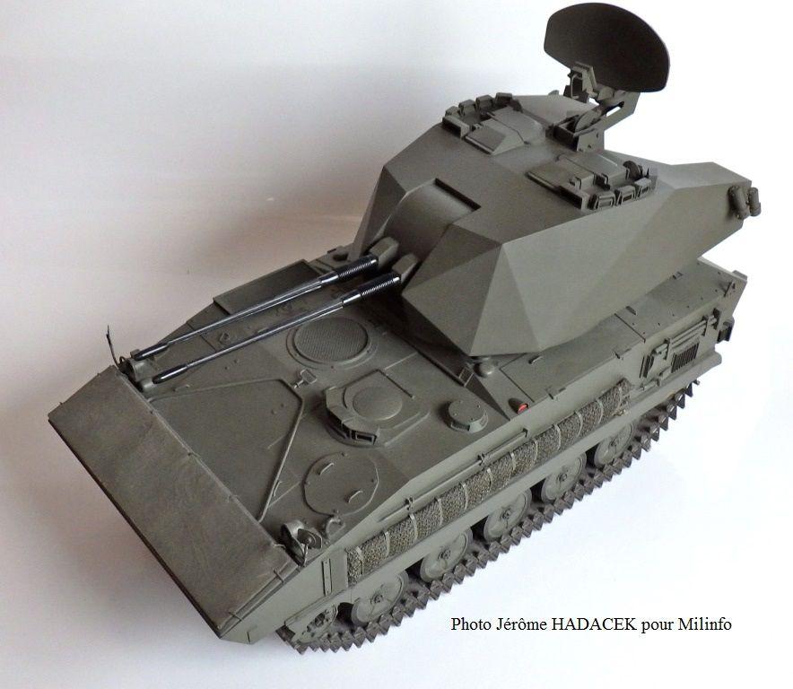 Collector : AMX-10 P tourelle Sabre au 1/10 (par Jérôme Hadacek)