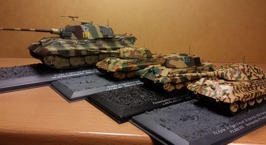 Collections-presse Chars de combat : duel 1/72 contre 1/43...