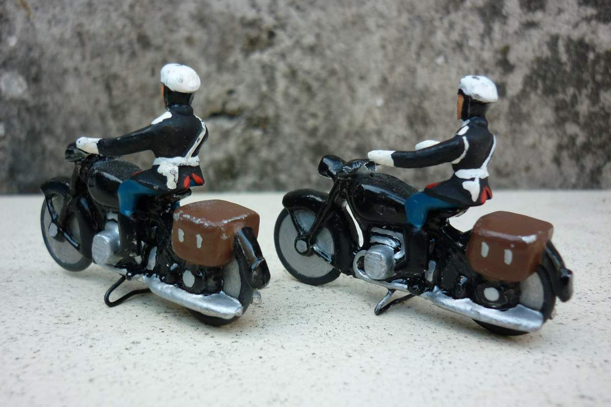 Collector : motards de la Garde républicaine au 1/43 (par Pascal S.)