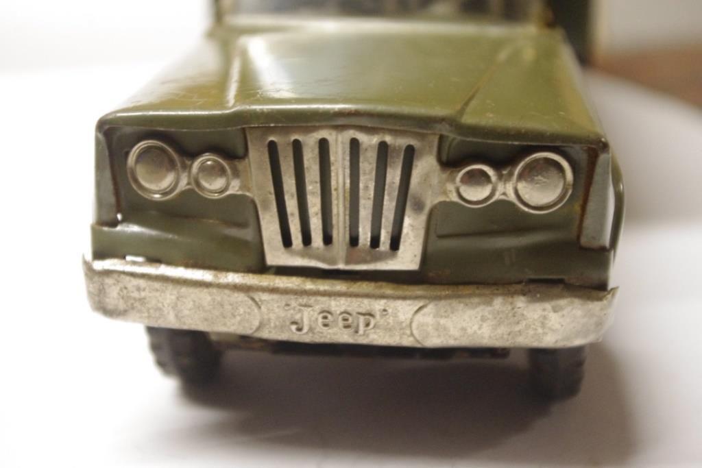 Restauration : véhicule Kaiser jeep (par Jean-Pierre B.)