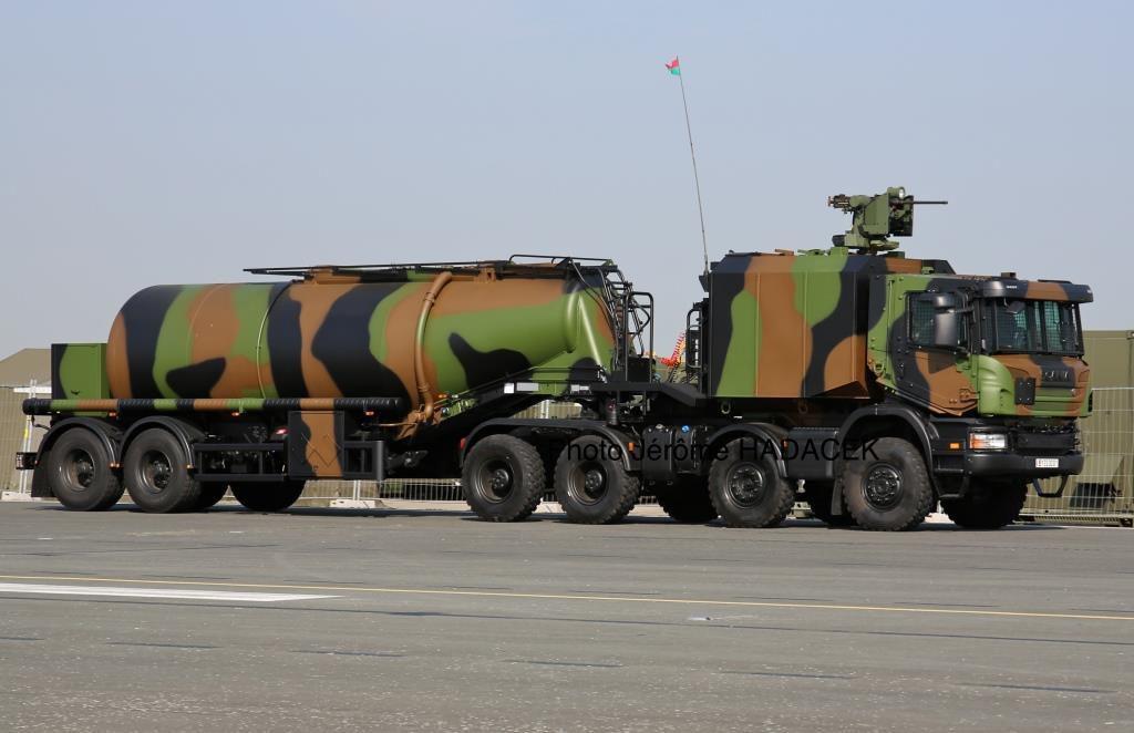 Matériels et véhicules : le Camion de ravitaillement avancé pétrolier à capacité étendue (Carapace)
