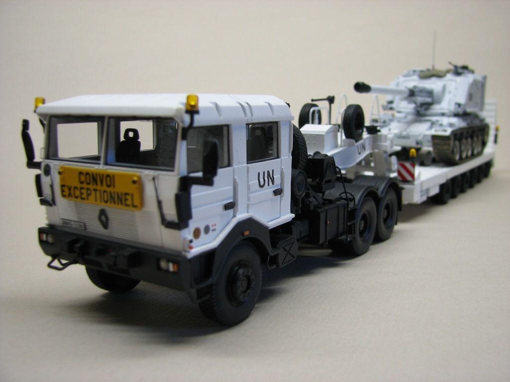 Porte-char TRM 700-100 au 1/48ème (Master Fighter)