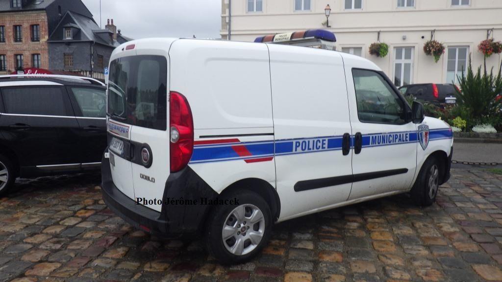 Véhicules et matériels : Fiat Doblo Police municipale