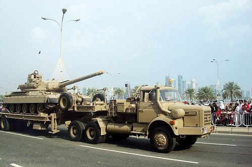 Photos ARMY RECOGNITION : TRM 12 000 et AMX 30 au Qatar