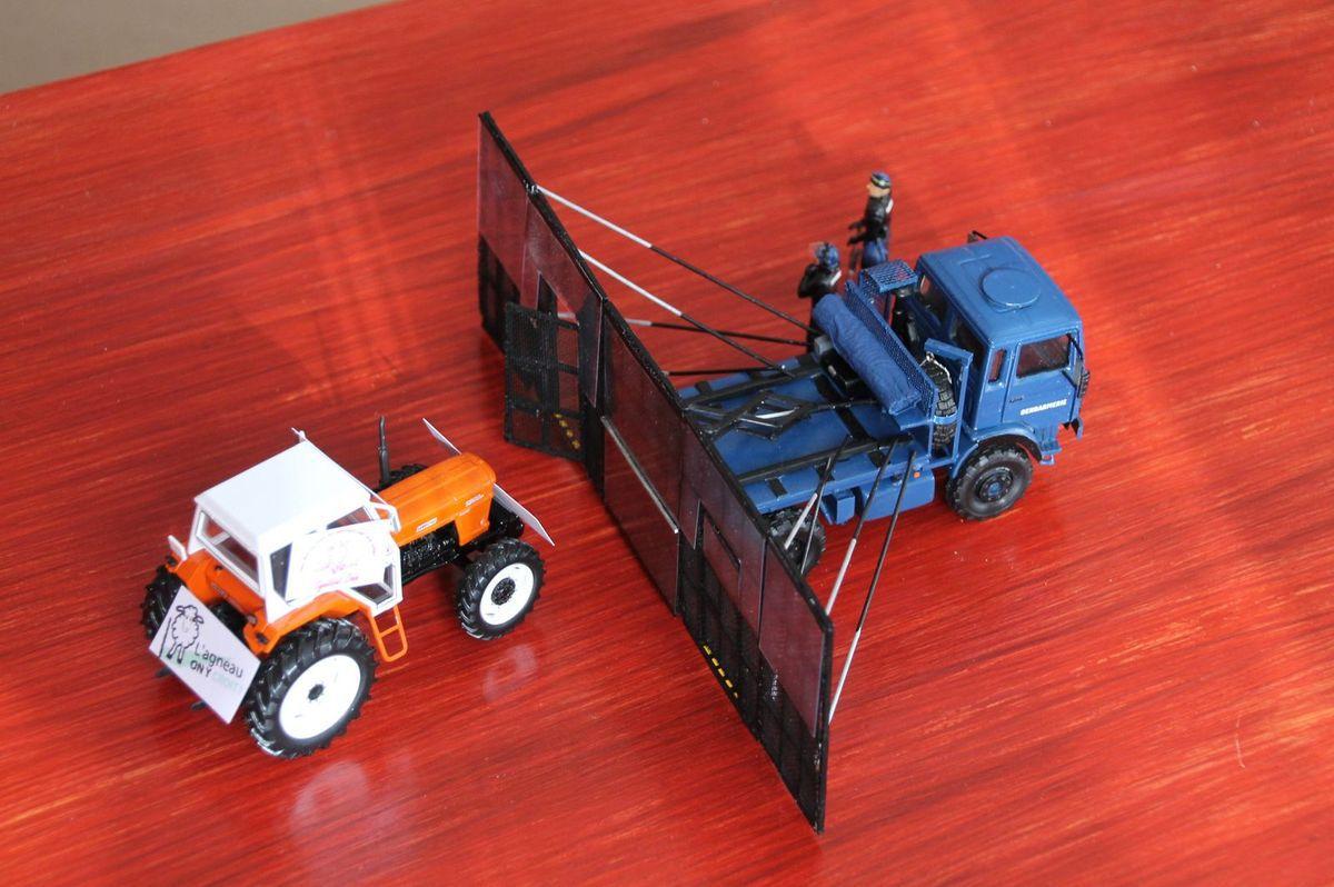 """Face à ce tracteur """"piloté"""" par un éleveur touché par la crise de l'élevage, les gardes mobiles ont dressé un DRAP !"""