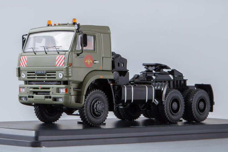 Tracteur KAMAZ 65225 au 1:43 (Start Scale Models - SSM)