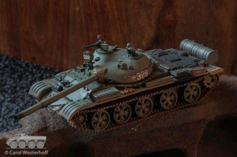 Porte-char  MAZ 537 et char T-62 au 1/48 de chez Gaso.Line (par Carol Westerhoff)