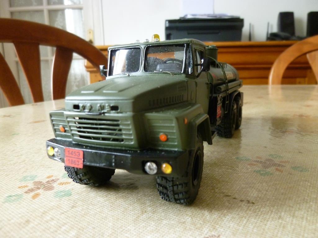 Camion KRAZ 260 TZ 8,5 au 1/43 (Kimmeria)