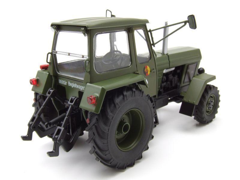 Tracteur Fortschritt ZT 303  &quot&#x3B;NVA&quot&#x3B; au 1:32 (Schuco)