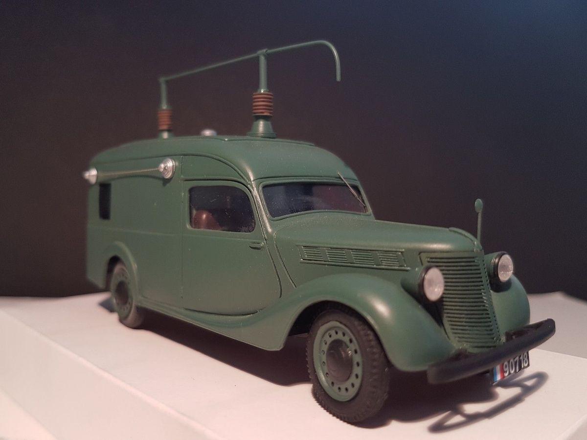 Fourgon RADIO RENAULT type BFP &quot&#x3B;Primaquatre&quot&#x3B; 1939 Armée Française TSF au 1:43 (par Alexis Kobylko)