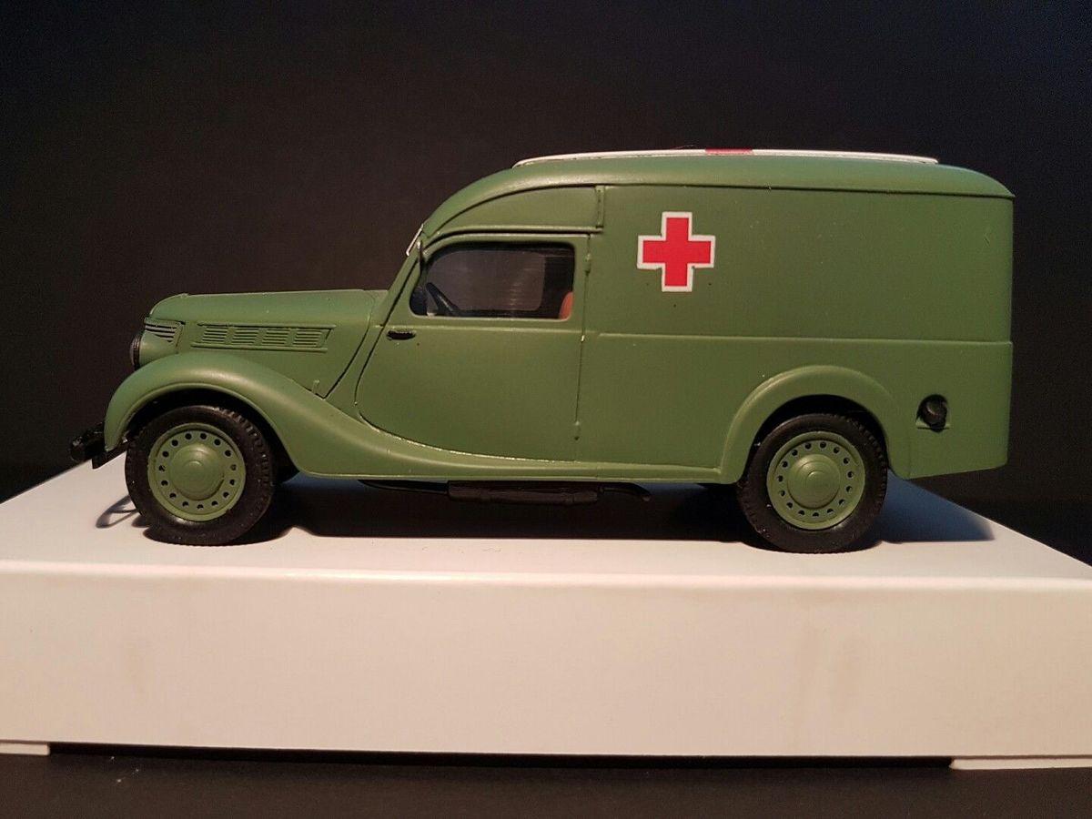 Fourgon tolé ambulance Renault type BFP &quot&#x3B;Primaquatre&quot&#x3B; 1939 Armée Française au 1/43 (Alexis)