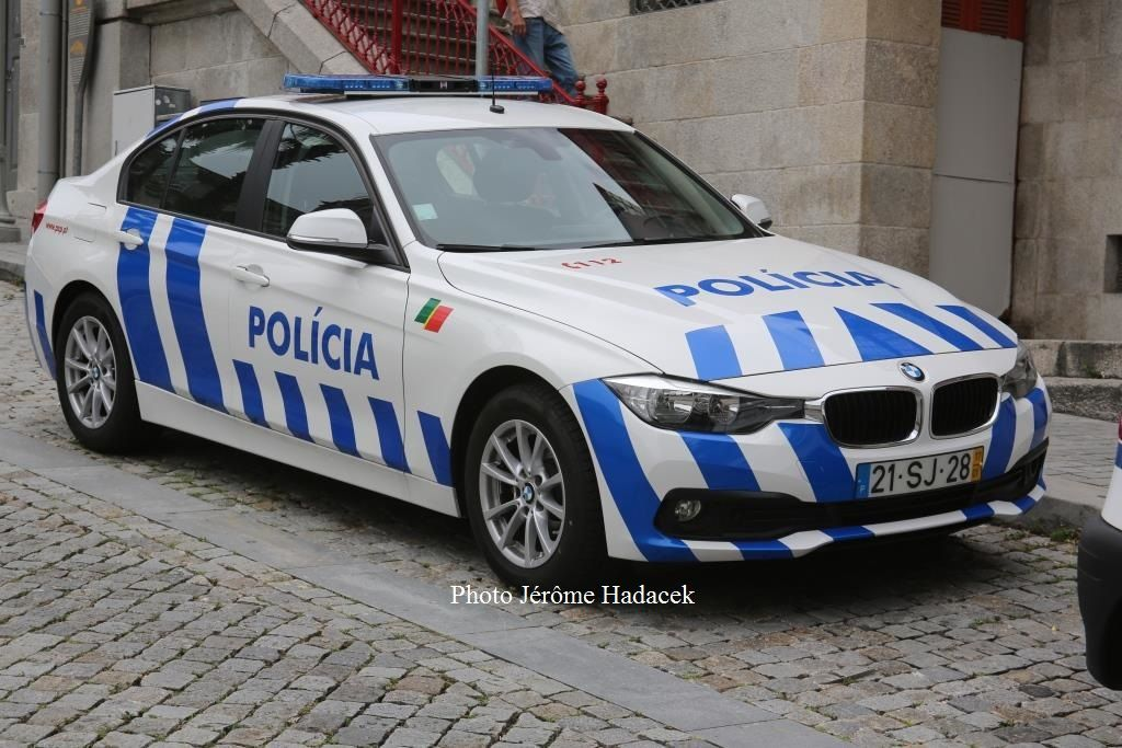Véhicules&amp&#x3B;matériels : véhicules de Police du Portugal (par Jérôme Hadacek)