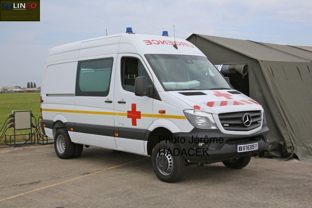 Véhicules&amp&#x3B;matériels : Mercedes Sprinter 516 DCI sabnitaire de l'Armée de terre