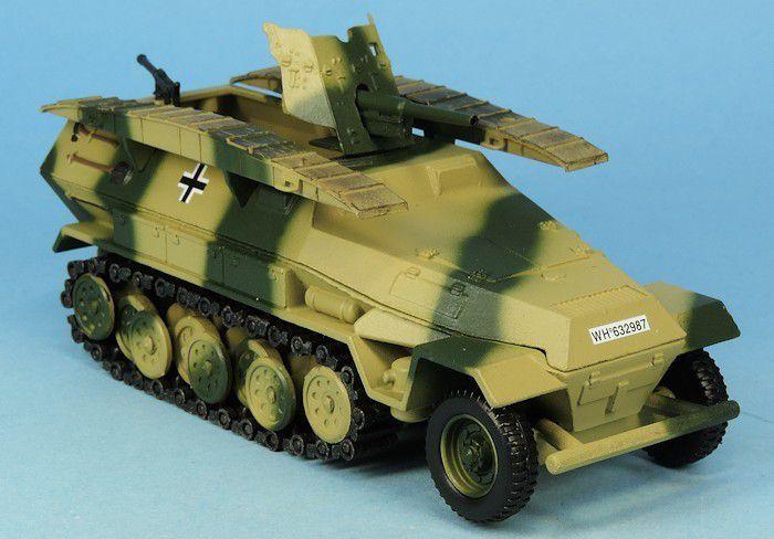 SdKfz 251/10 avec canon Pak 36 de 37 mm sur base Solido (par Elodie)
