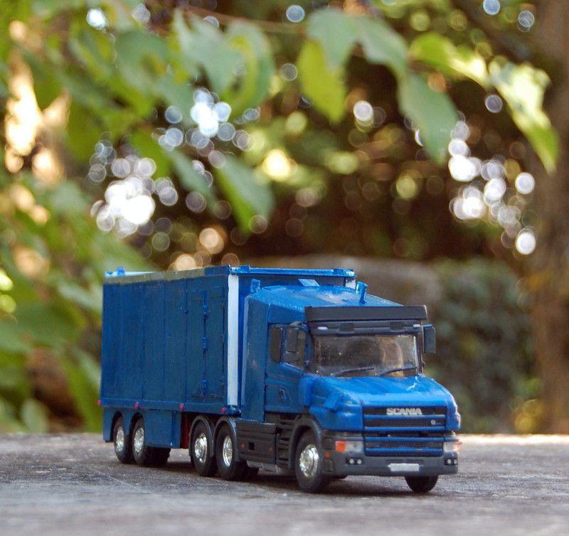 Scania T Véhicule Spécial Renforcé (VSPE) au 1/50 par Yves P.