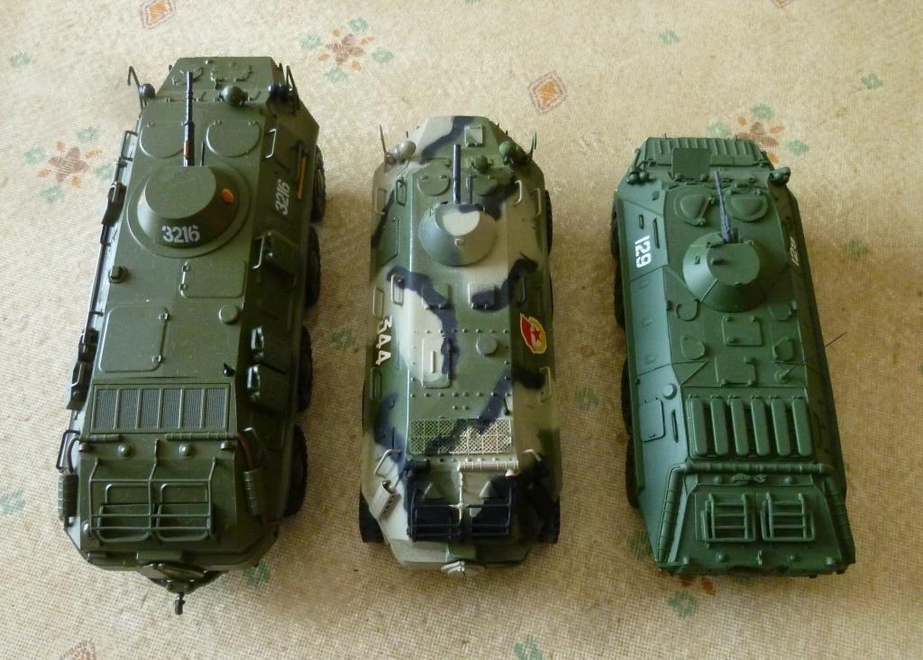 """BTR 60 """"NVA"""" et de chez Atlas et mon BTR 60 modifié... plus petit non ?"""