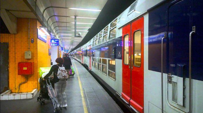 Jeunes femmes, ne comptez pas sur les vigiles du RER D pour vous protéger du harcèlement de voyageurs frustrés