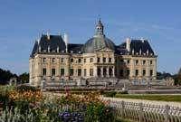 Chantilly, son château, ses chevaux, ses chapeaux, sa crème fouettée sucrée, pourquoi avons-nous raccourci notre ROI ?