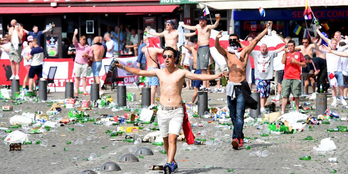 L'alcool dans le collimateur des « ronds de cuir » de la Cour des Comptes est l'accusé commode dans les violences entre hooligans à Marseille
