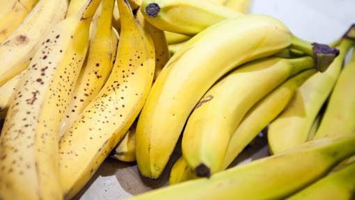 Un indien forcé à avaler 40 bananes pour restituer un bijou volé