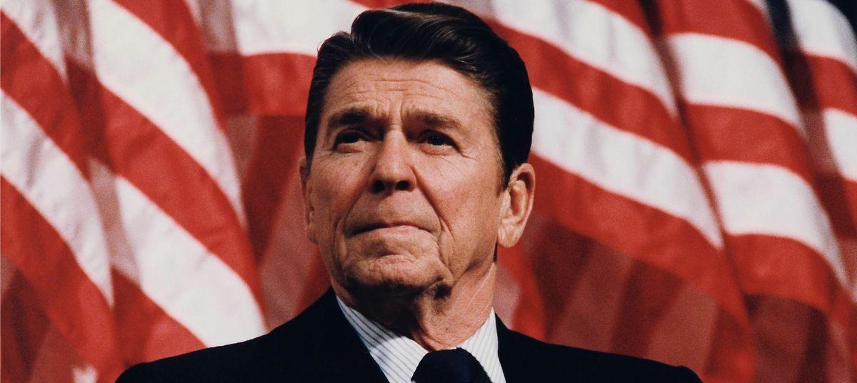 Un ufologue sceptique parle de R.Reagan et des ovnis…