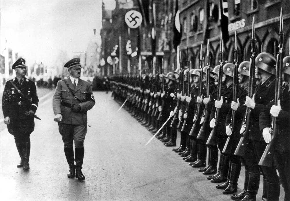 Enfin les preuves : Hitler n'est pas mort le 30 Avril 1945 à Berlin... !