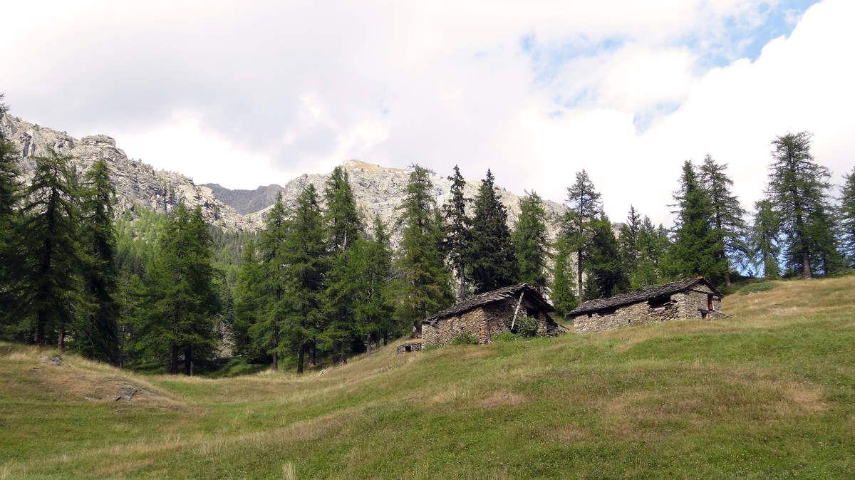 Col Laris et Lac Vercoche (2 585m)