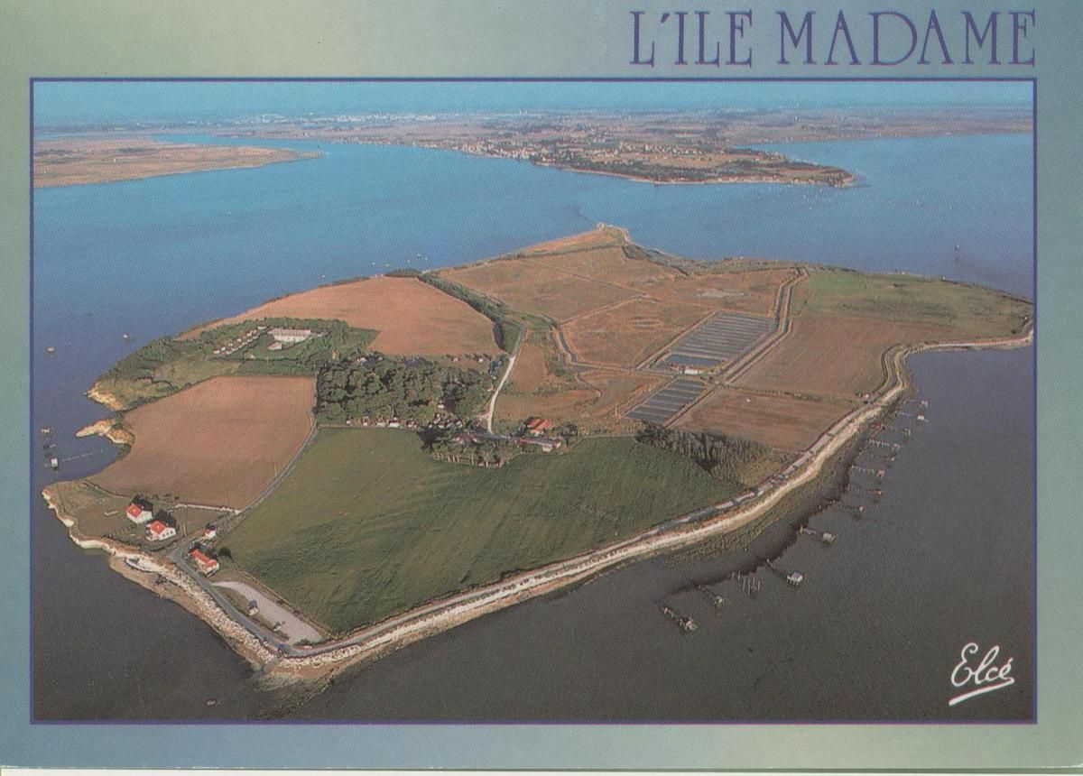 "Ile Madame vue du ciel ""carte de ma collection"""