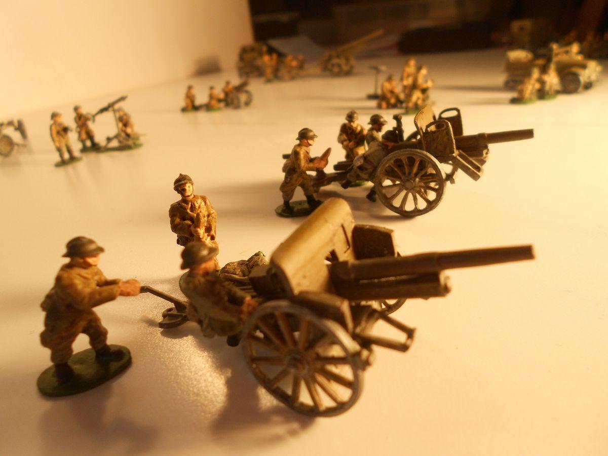 Deux canons 75mm GP hippomobiles