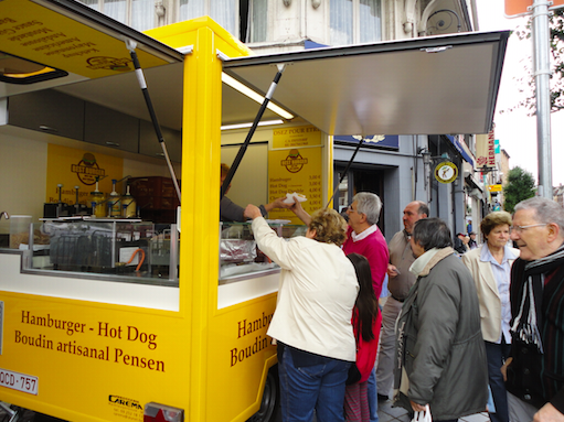 Hamburger Stand in saint Gilles Market