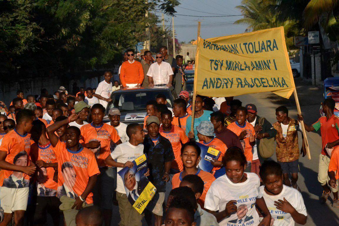 Andry Rajoelina à Toliara, le 29 juillet 2015 au côté du candidat Camille Vital