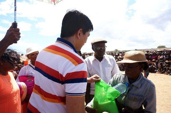 Andry Rajoelina, 7 février 2016. Au secours des Malagasy de l'Androy en pleine famine généralisée (KERE)