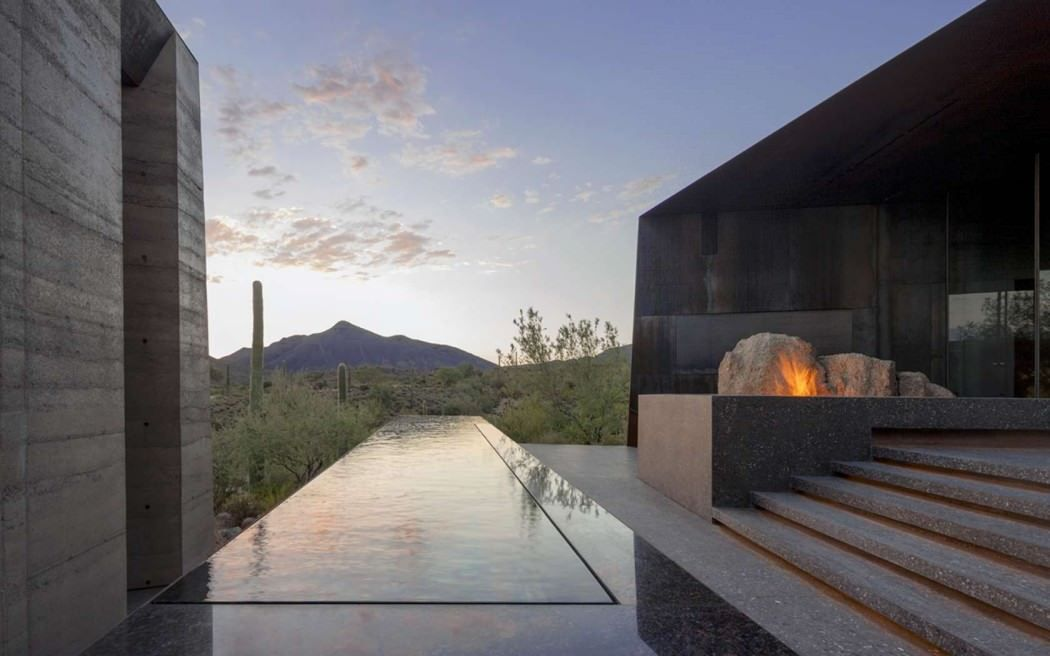 HOUSE IN THE DESERT OF SCOTTSDALE, ARIZONA / BY WENDELL BURNETTE  ARCHITECTS