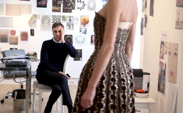 &quot&#x3B; DIOR AND I &quot&#x3B; / A MOVIE BY FREDERIC TCHENG